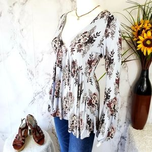Free People gorgeous bell sleeve v neck top